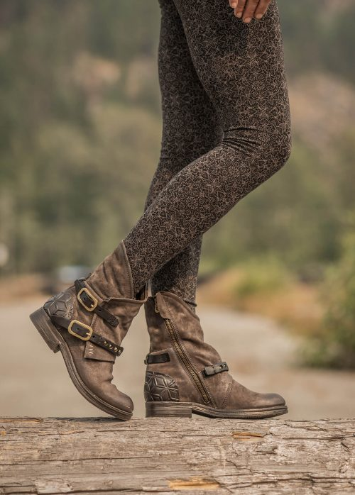 AS98 Pixie Boots in desert storm brown