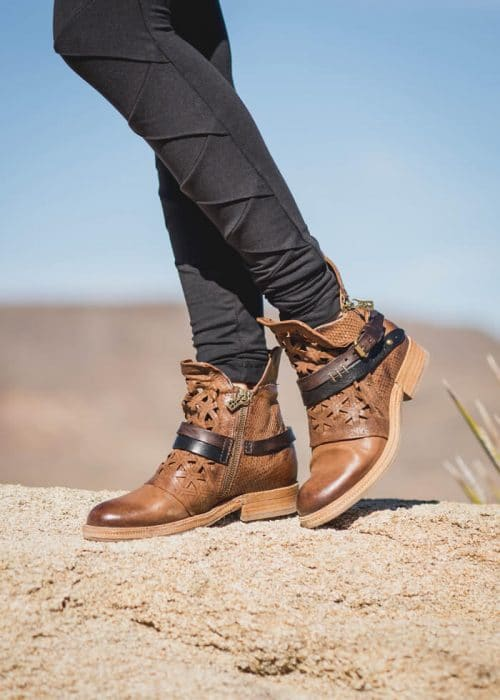 mosaic-boots-brown-04