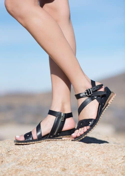 AS98 Gladiator sandals in black
